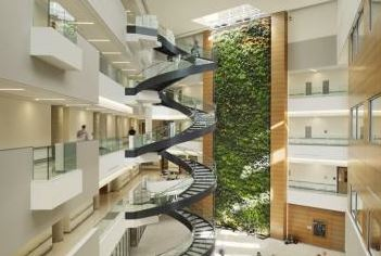 The Papadakis Integrated Science Building, Drexel University. Photo courtesy Green Roofs for Healthy Cities.